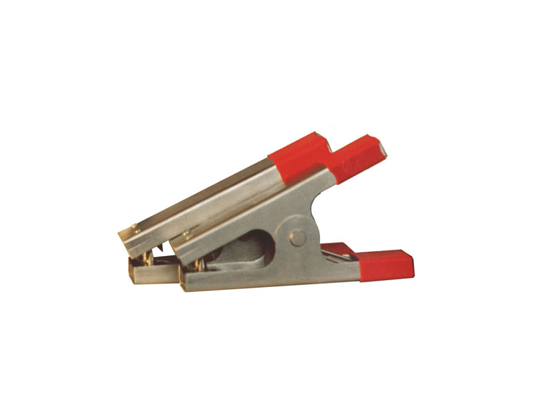 "Test probes in the form of ""alligator"" type clips with the grip width of up to 35 mm"